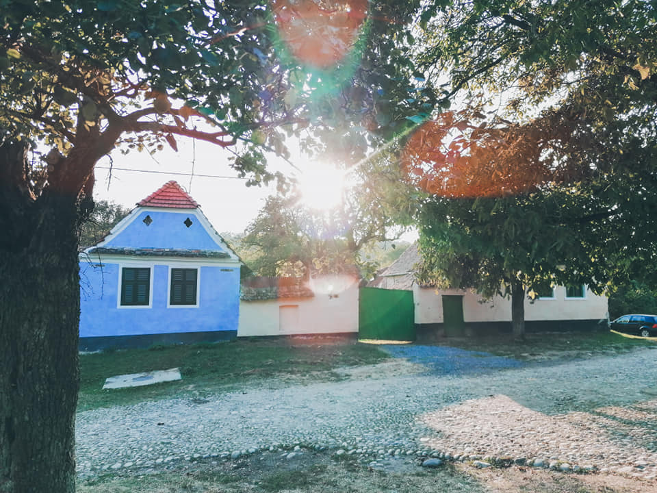 7 sate colorate de poveste din Transilvania