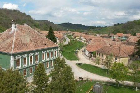 sate colorate Transilvania